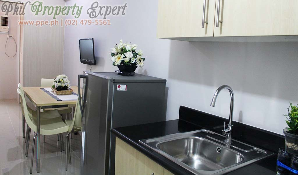 Fully Furnished 1br Condo With Balcony For Rent In Quezon