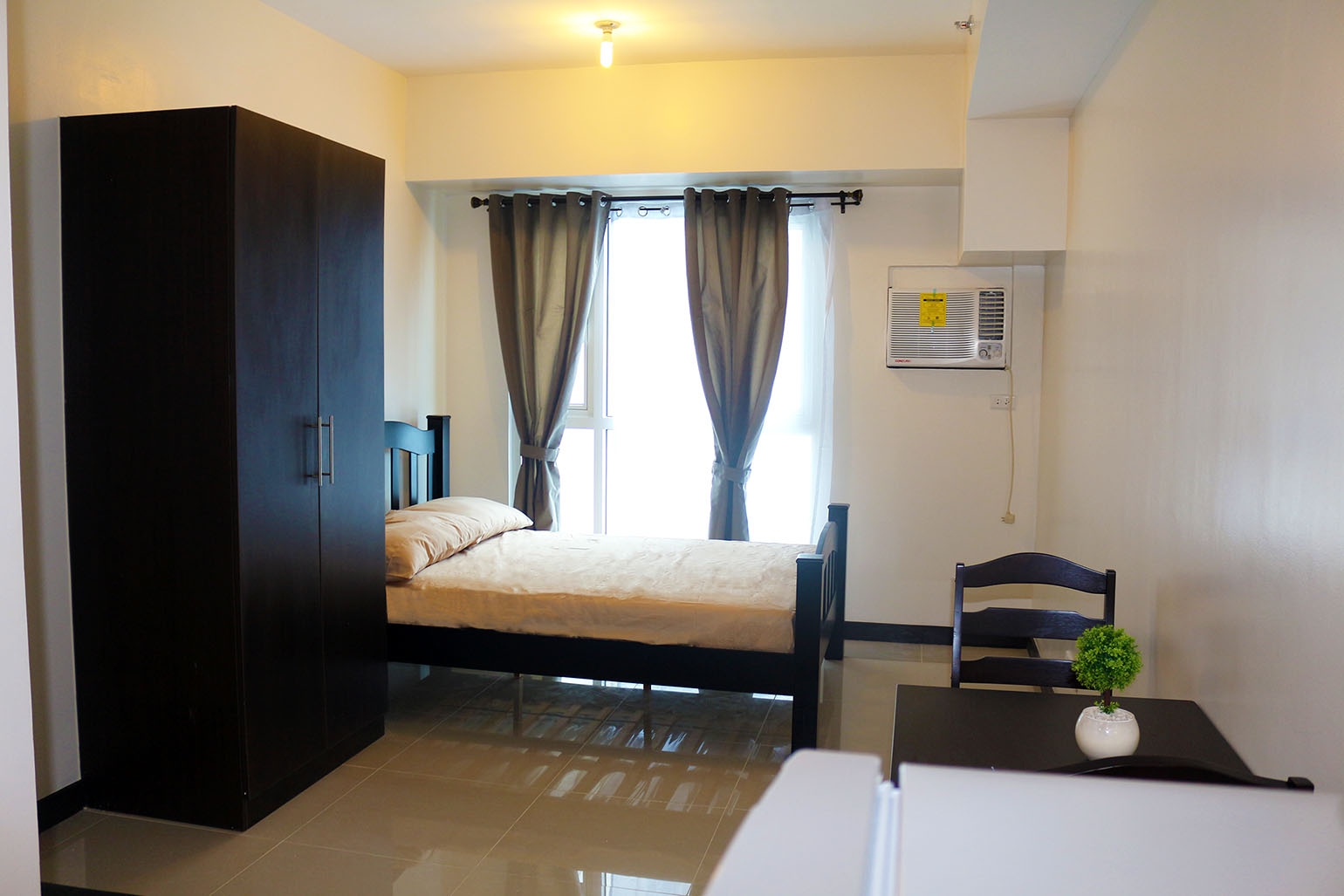 Affordable studio type for rent in mandaluyong axis for Interior designs for studio type condo